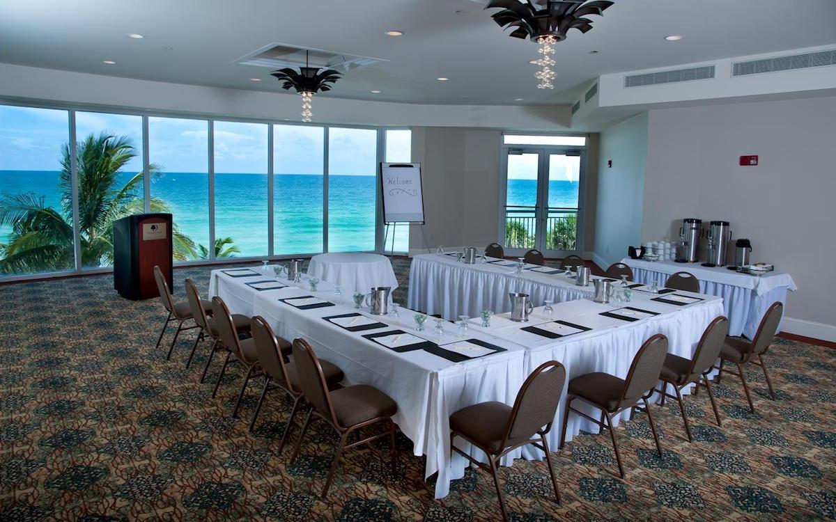 Doubletree by Hilton Ocean Point Resort Meeting Room