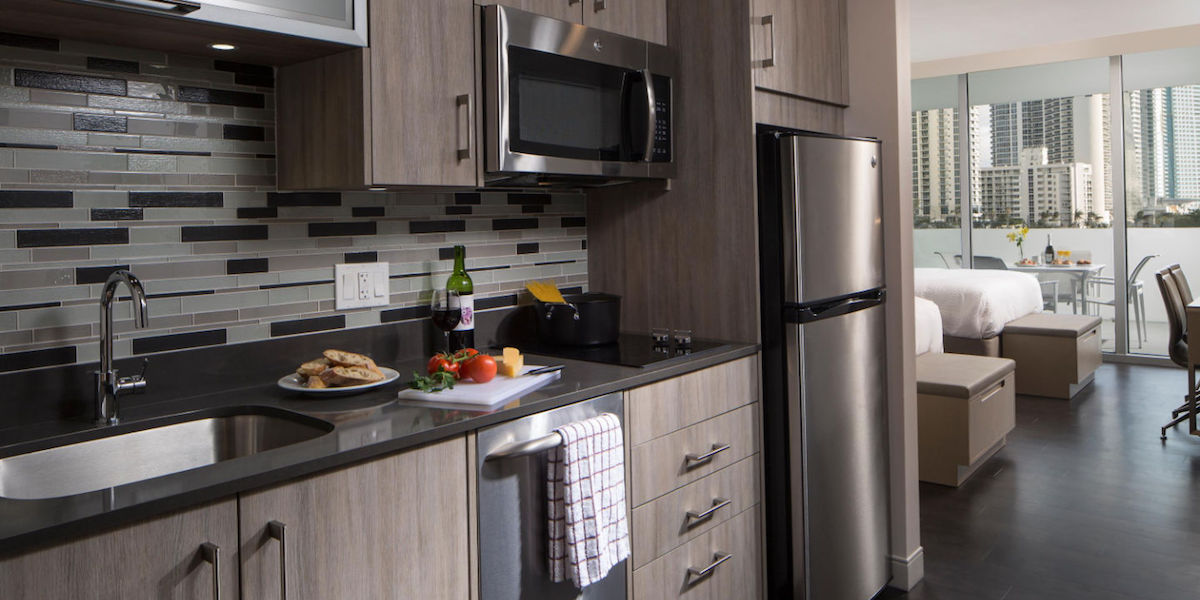 Residence Inn Miami Sunny Isles Beach Queen City Kitchen