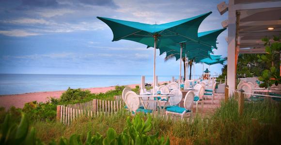 Gili's Beach Club outdoor dining on the beach.