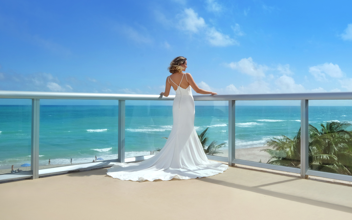 Bride at Solé on the Ocean Balcony