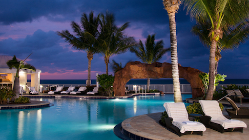 Pool at nighttime at the Trump International Beach Resort