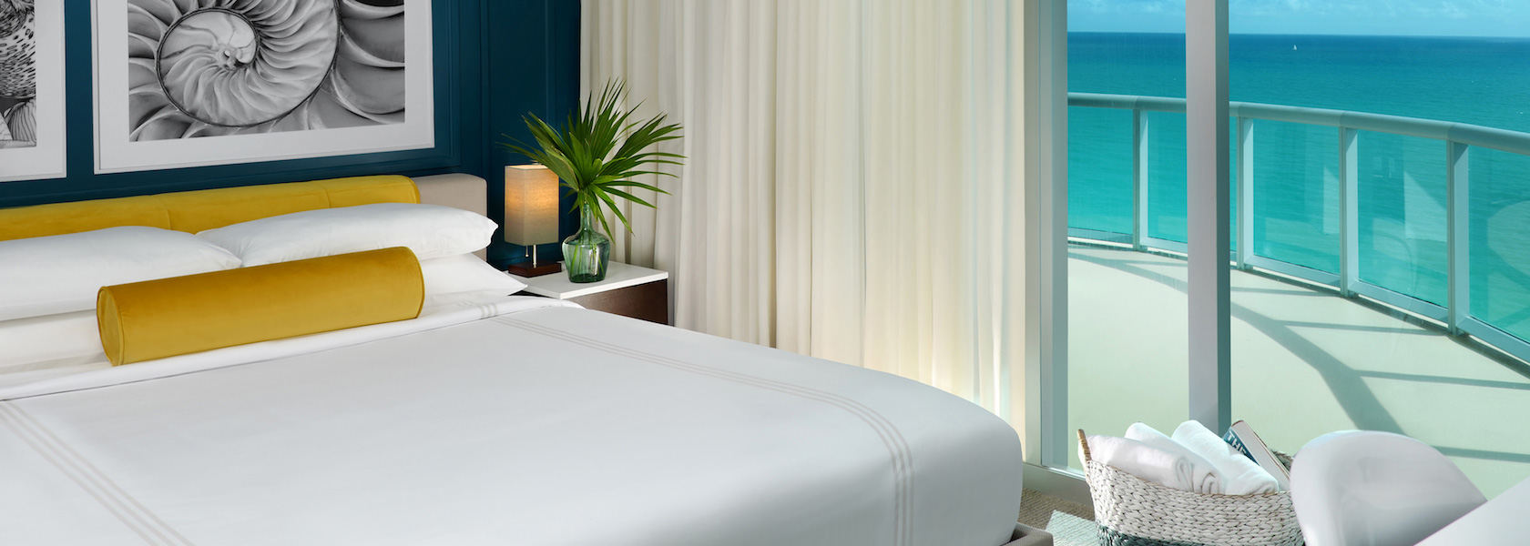 Solé Miami guestroom showing bed with ocean view