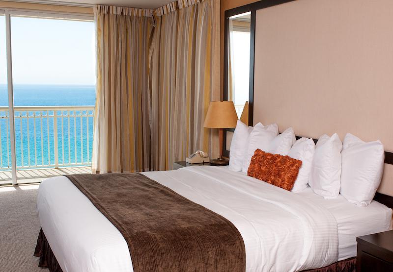 Ramada Plaza Marco Polo Beach Resort King Suite