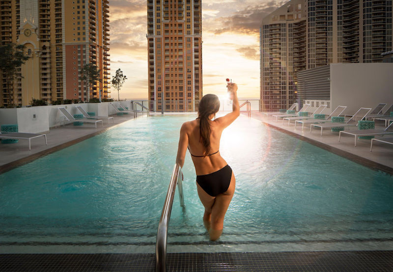 Rooftop Pool at Residence Inn Miami Sunny Isles Beach